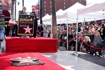 Ed Asner Barbara Bain Honored With Star on the Hollywood Walk of Fame