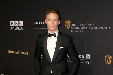Eddie Redmayne BAFTA Los Angeles Jaguar Britannia Awards Presented By BBC America And United Airlines - Arrivals
