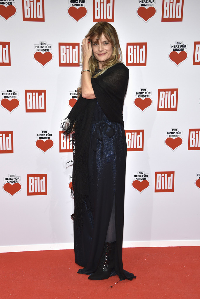 nastassja kinski photos photos ein herz fuer kinder gala 2016 red carpet arrivals zimbio. Black Bedroom Furniture Sets. Home Design Ideas