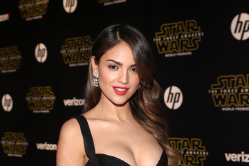Eiza González Premiere of 'Star Wars: The Force Awakens' - Red Carpet