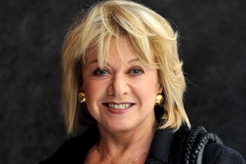 """Elaine Paige is protective of her private life but is always willing to share an off-color joke. Forget her signature song, """"Memory. - Elaine%2BPaige%2BgZoyGyIgo50m"""