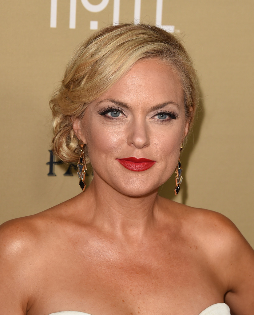 Actress Elaine Hendrix attends the premiere of FXs Fargo
