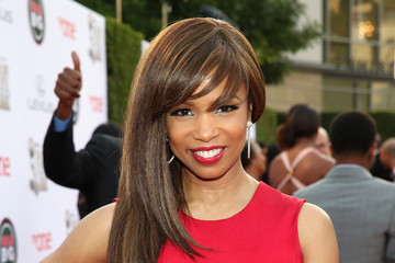 Elise Neal TV One At The 45th NAACP Image Awards