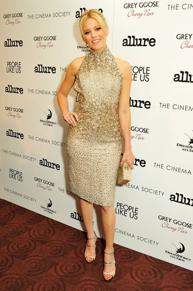 "Elizabeth Banks - The Cinema Society With Linda Wells & Allure Host A Screening Of DreamWorks Studios' ""People Like Us"" -  Arrivals"