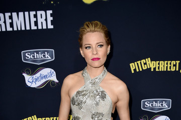 Elizabeth Banks Premiere Of Universal Pictures' 'Pitch Perfect 2' - Red Carpet