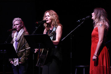 Elizabeth Cook 18th Annual Americana Music Festival & Conference - The People Sing!