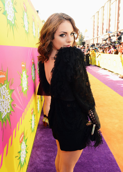 Elizabeth Gillies - Nickelodeon's 26th Annual Kids' Choice Awards - Red Carpet