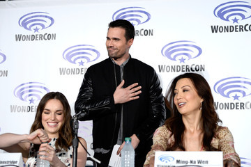 Elizabeth Henstridge WonderCon 2016 - Day 2