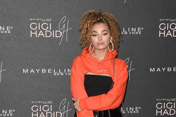 Ella Eyre Gigi Hadid X Maybelline Party - Arrivals