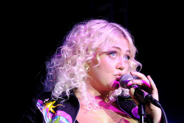 Elle King Six Degrees To Tennessee Roots Jam