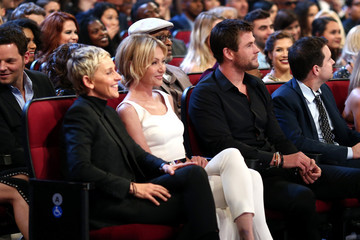 Ellen DeGeneres People's Choice Awards 2016 - Backstage and Audience