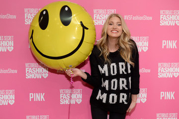 Elsa Hosk Victoria's Secret Pink Model Elsa Hosk Hosts 2013 Victoria's Secret Fashion Show Viewing Party