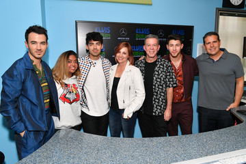 Elvis Duran Danielle Monaro The Jonas Brothers Visit 'Elvis Duran And The Z100 Morning Show'