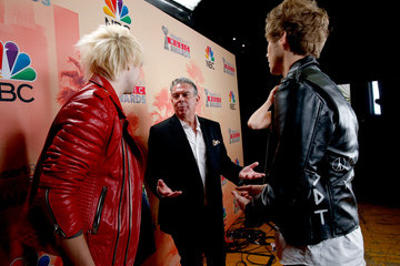 Elvis Duran 2015 iHeartRadio Music Awards On NBC - Backstage And Audience