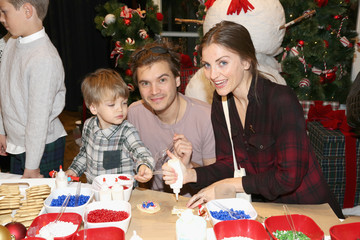 Emile Hirsch Brooks Brothers Celebrates the Holidays with St. Jude Children's Research Hospital