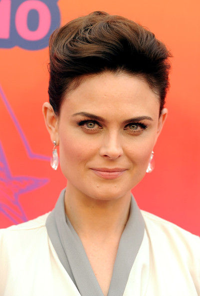 Emily deschanel wedding dress