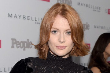 Emily Beecham earned a  million dollar salary - leaving the net worth at 1 million in 2018