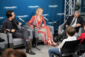 Emily Blunt Lin-manuel Miranda SiriusXM's Town Hall With The Cast Of 'Mary Poppins Returns'