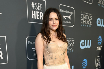Emily Hampshire The 24th Annual Critics' Choice Awards - Red Carpet