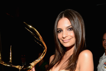 "Emily Ratajkowski Spike TV's ""Guys Choice 2014"" - Backstage And Audience"