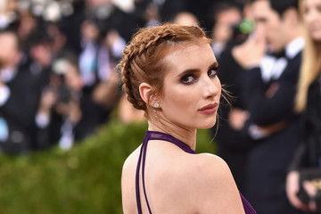 Emma Roberts 'Manus x Machina: Fashion In An Age of Technology' Costume Institute Gala - Arrivals