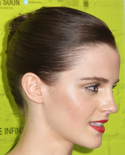 "Emma Watson - Premiere Of Summit Entertainment's ""The Perks Of Being A Wallflower"" - Arrivals"