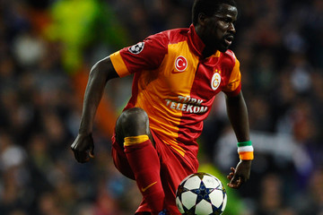 Emmanuel Eboue Handed 1-Year Ban by FIFA, Sunderland Terminate Contract