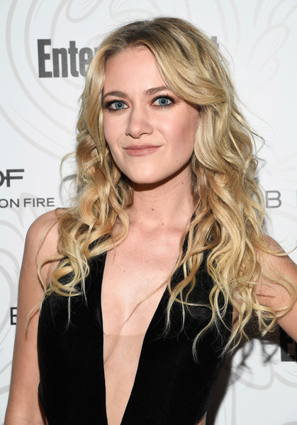 Meredith Hagner Nude Photos 84