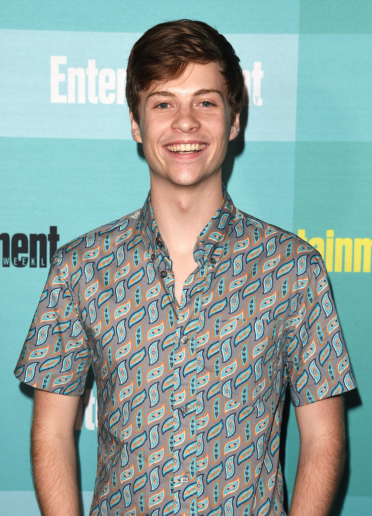 O Malley Honda >> John Karna in Entertainment Weekly Hosts its Annual Comic ...