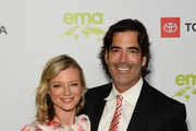 Amy Smart (L) and Carter Oosterhouse attend the Environmental Media Association 2nd Annual Honors Benefit Gala at Private Residence on September 28, 2019 in Pacific Palisades, California.