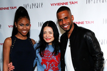 Eric West Vivienne Tam - Backstage - Fall 2016 New York Fashion Week: The Shows