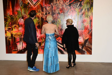 Eric White Rosson Crow Rosson Crow's Private Preview of 'Madame Psychosis Holds a Seance'