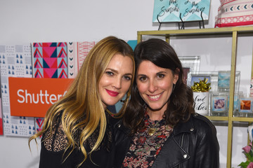 Erica Domesek Drew Barrymore Launches Shutterfly Holiday Gift Collection at Seasonal Shopping Event