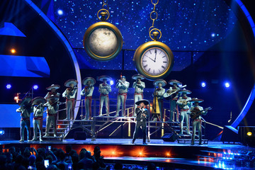 Espinoza Paz 16th Latin GRAMMY Awards - Show