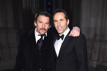 Ethan Hawke Elton John AIDS Foundation Commemorates Its 25th Year and Honors Founder Sir Elton John During New York Fall Gala - Arrivals
