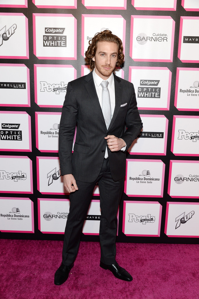 Эухенио Сийер/Eugenio Siller - Страница 2 Eugenio+Siller+People+En+Espanol+Celebrates+9H-x6Nos7Rbx