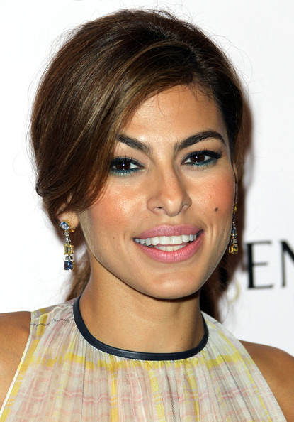 http://www3.pictures.zimbio.com/gi/Eva+Mendes+Screening+Girl+Progress+Arrivals+z73AG031zxsl.jpg