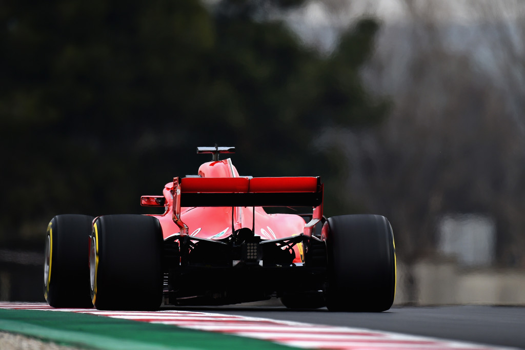 TEST BARCELONA DIA 1 F1+Winter+Testing+Barcelona+Day+One+zP9KWp5p3Eux