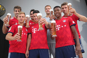 Manuel Neuer and Thomas Mueller Photos Photo