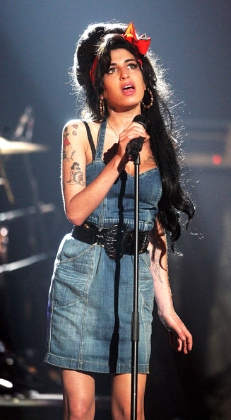 Amy Winehouse (UK TABLOID NEWSPAPERS OUT) Amy Winehouse performs during the show at the MTV Europe Music Awards 2007 at the Olympiahalle on November 1, 2007 in Munich, Germany.