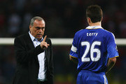 Avram Grant, the Chelsea manager speaks with John Terry of Chelsea in the short break before the first period of extra time during the UEFA Champions League Final match between Manchester United and Chelsea at the Luzhniki Stadium on May 21, 2008 in Moscow, Russia.
