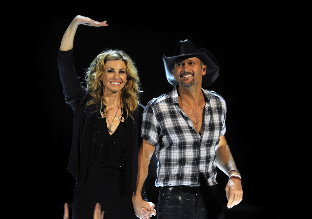 Faith hill tim mcgraw in concert melbourne zimbio for Do tim mcgraw and faith hill have kids