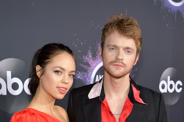 Finneas O'Connell 2019 American Music Awards - Red Carpet