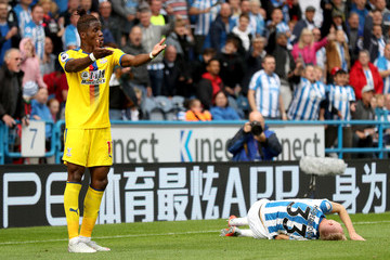 Florent Hadergjonaj Huddersfield Town vs. Crystal Palace - Premier League