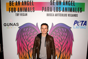 Fonseca The 20th Annual Latin GRAMMY Awards - Gift Lounge - Day 1