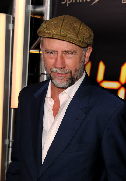 xander berkeley dating Xander berkeley actor  make up department  xander's father was a painter and his mother a school teacher who sewed, providing him with .