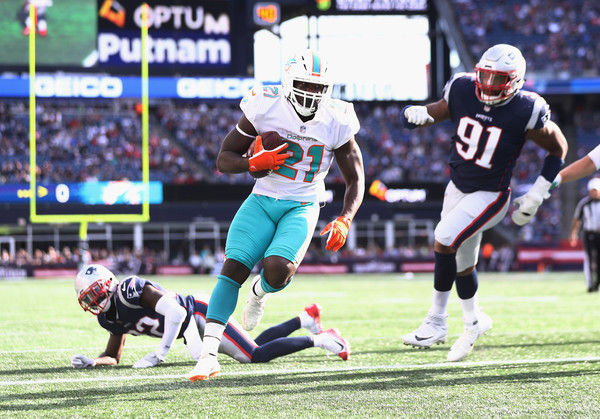 http://www3.pictures.zimbio.com/gi/Frank+Gore+Miami+Dolphins+vs+New+England+Patriots+QMP9G0OCR_Jl.jpg
