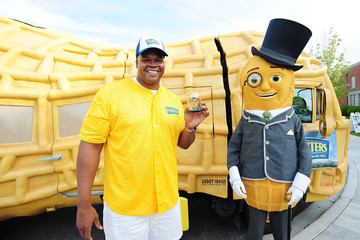 Frank Thomas Four New Peanut Flavors Celebrated