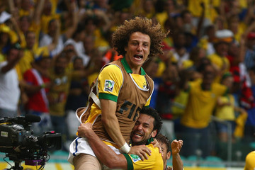 Fred David Luiz Italy v Brazil: Group A - FIFA Confederations Cup Brazil 2013