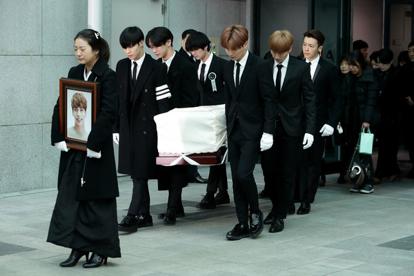 Funeral for Pop Idol Jonghyun of SHINee Takes Place